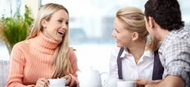 Amigos-conversando-comunicaciones
